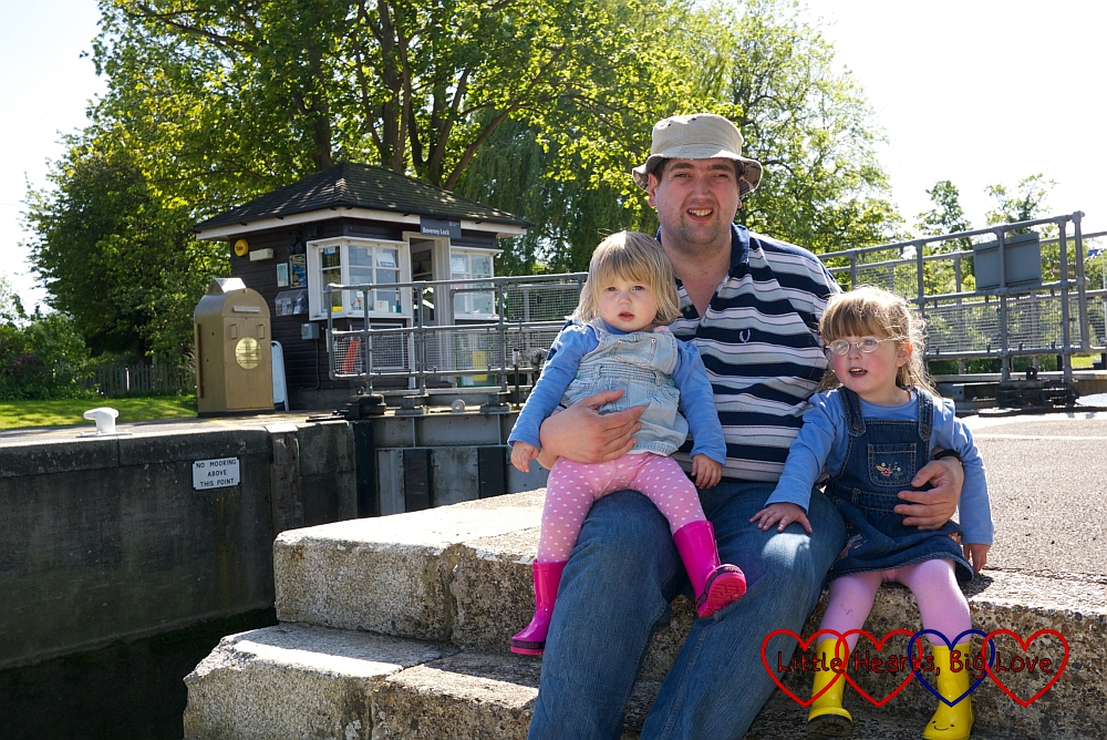 Gold lock controls at Bray lock: The Friday Focus 22/05/15 - Little Hearts, Big Love