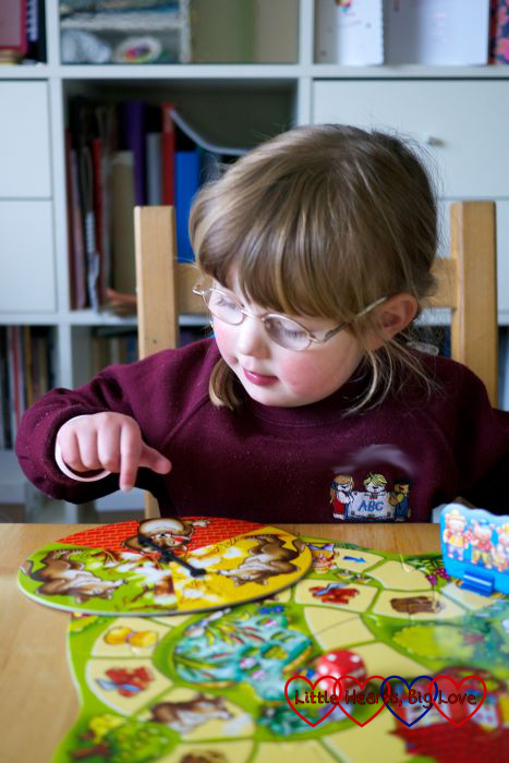 Review: The Three Little Pigs board game - Little Hearts, Big Love