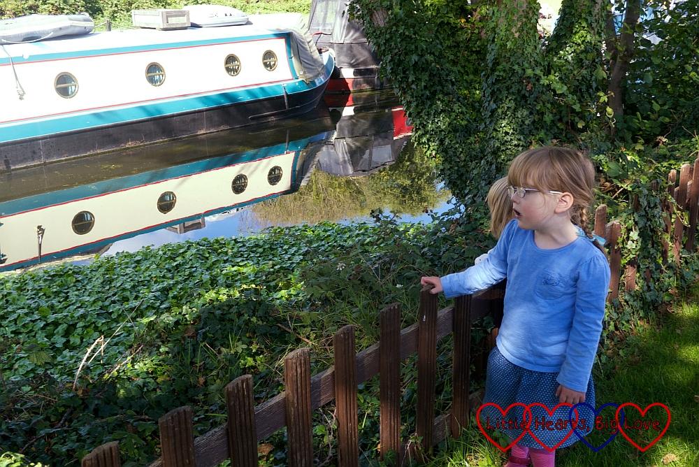 Taking a walk along the canal - A walk along the river - Little Hearts, Big Love