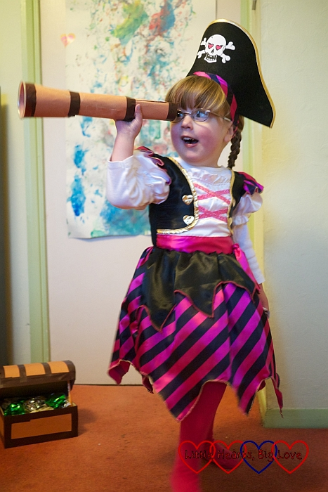 Pirate Jessica lookin' fer treasure - Pirate crafts - Little Hearts, Big Love