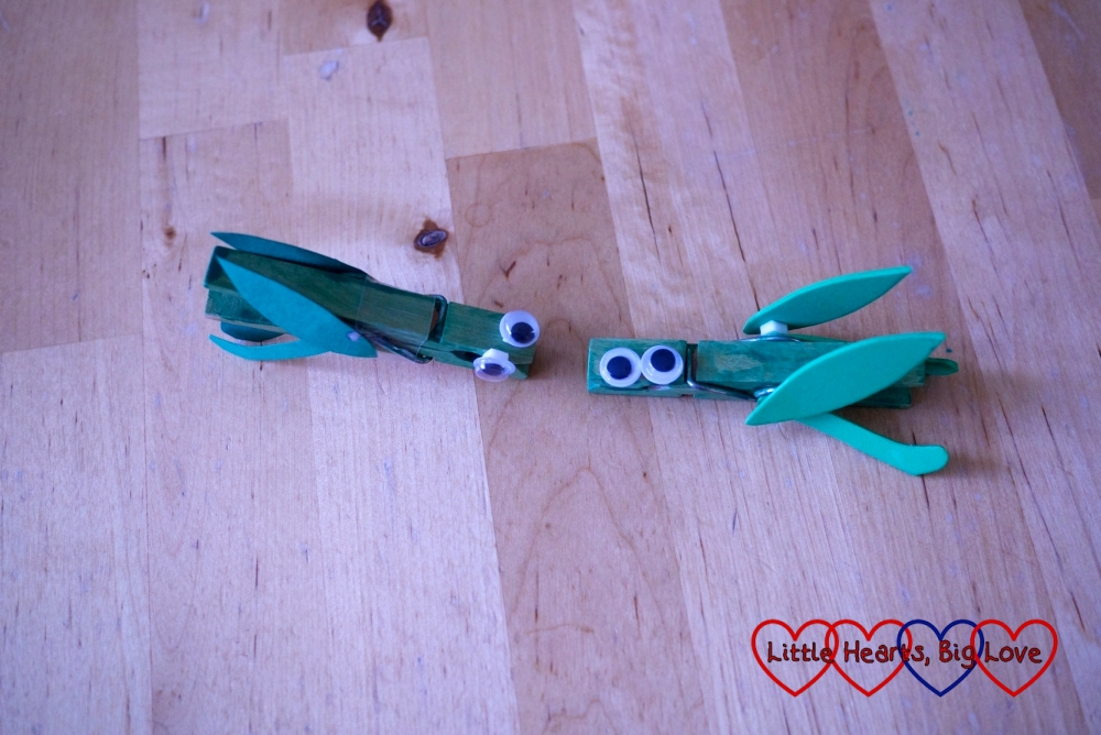 Making grasshoppers using clothes pegs and craft foam