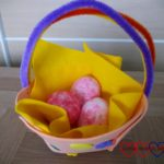 Easter crafts: creating an Easter basket with glittery eggs