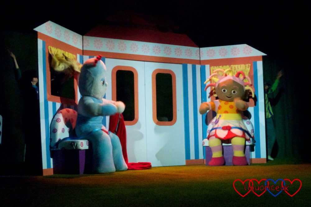 Igglepiggle and Upsy Daisy in the Ninky Nonk