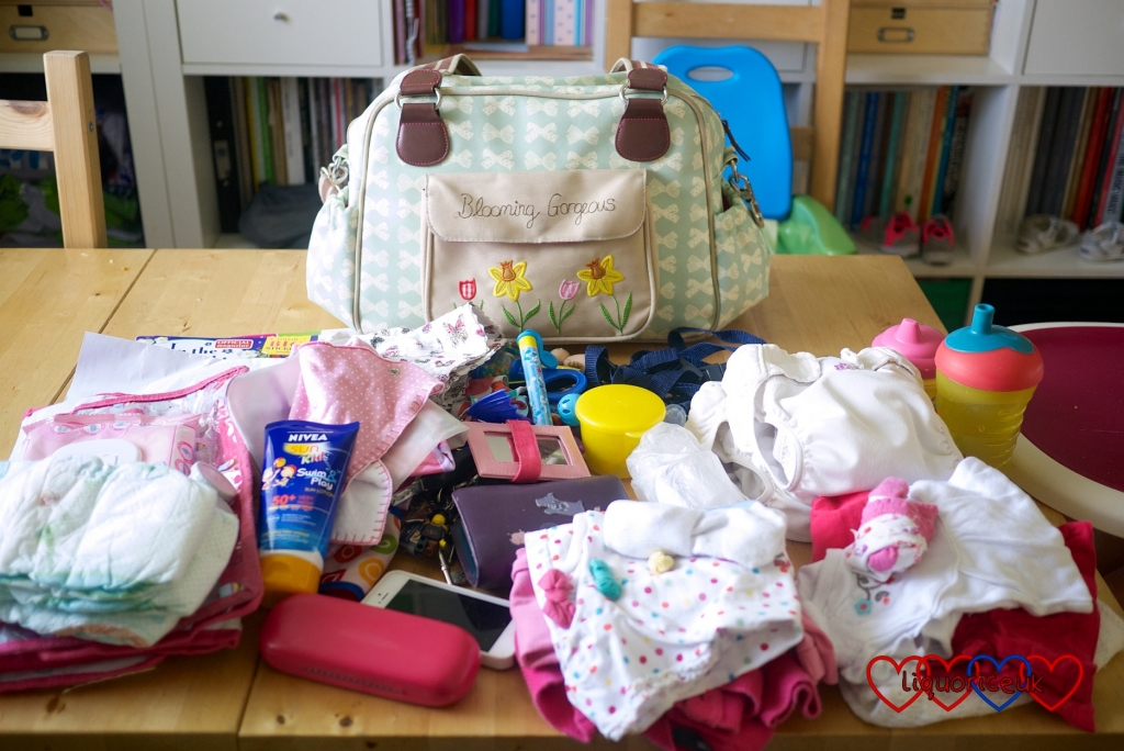 What's in your bag? - Little Hearts, Big Love