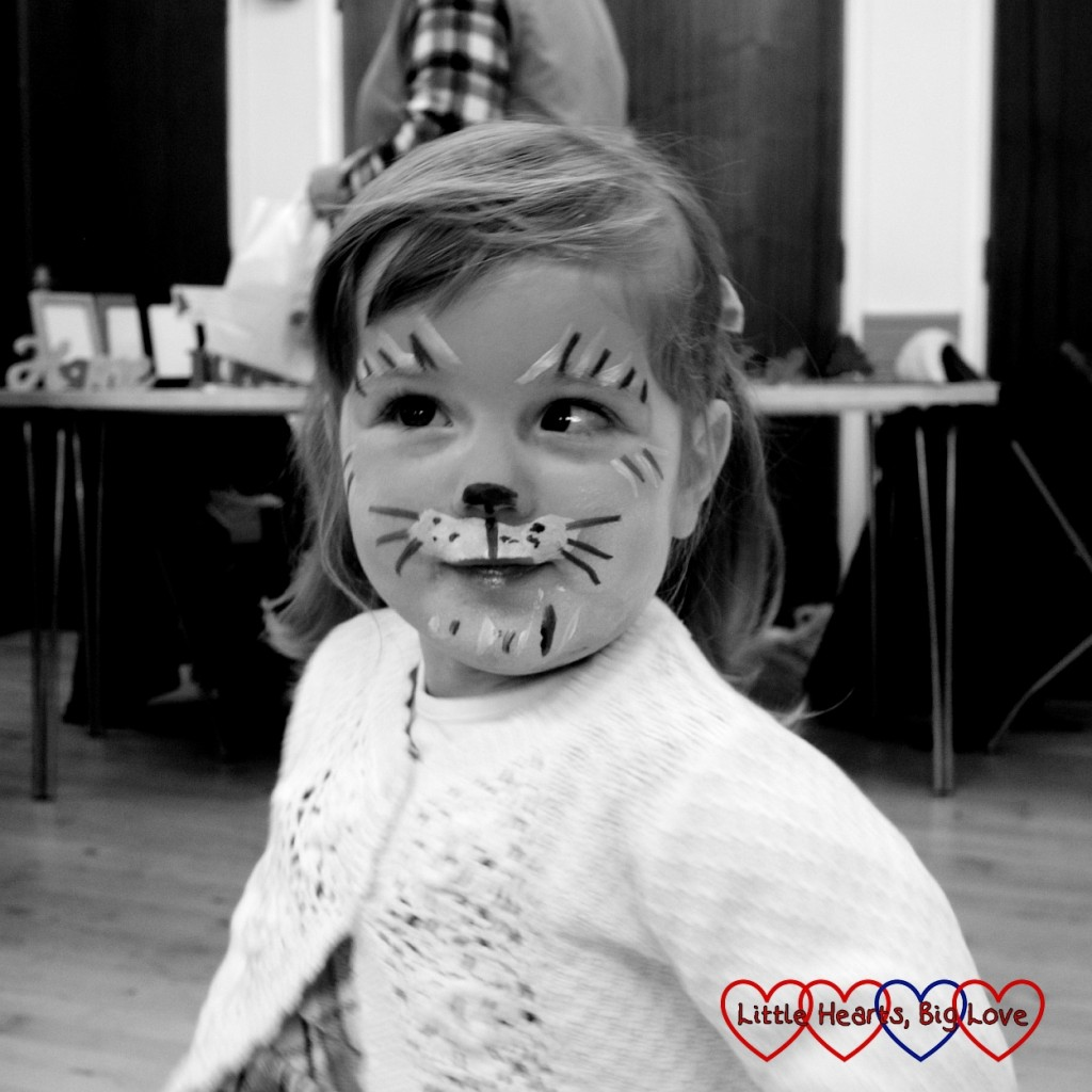 B&W photography project #22 - Little Hearts, Big Love: musings of a heart mummy