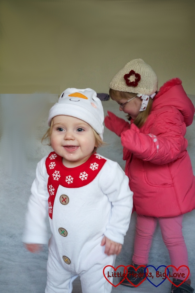 Siblings: December - Little Hearts, Big Love
