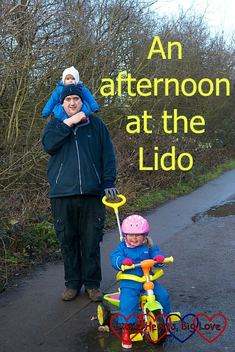 An afternoon at the Lido - Little Hearts, Big Love