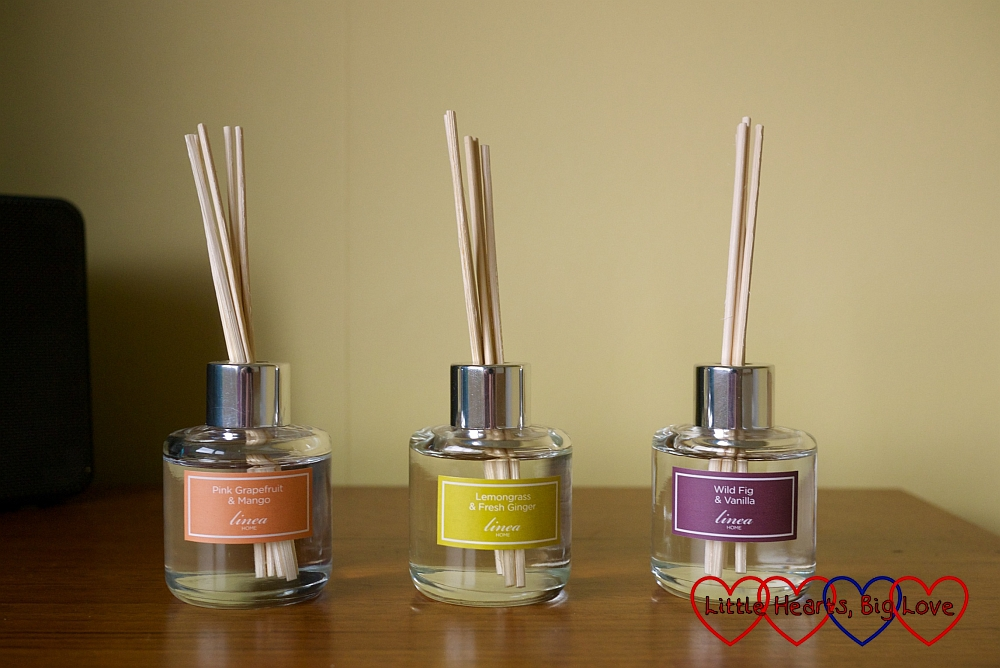 Linea mini-reed diffuser trio: review and giveaway - Little Hearts, Big Love