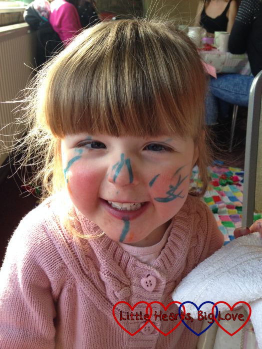 Face painting with felt tip pens - Little Hearts, Big Love