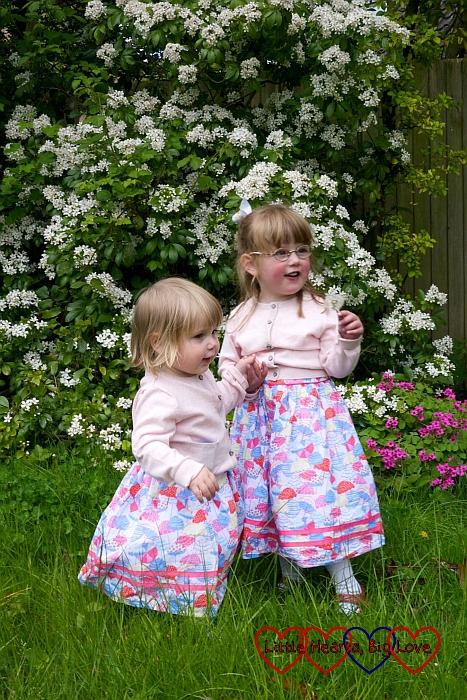 Siblings (May) -  Little Hearts, Big Love