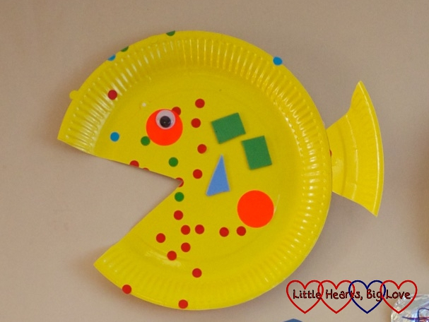 Paper-plate fish: Sea-themed crafts for preschoolers - Little Hearts, Big Love