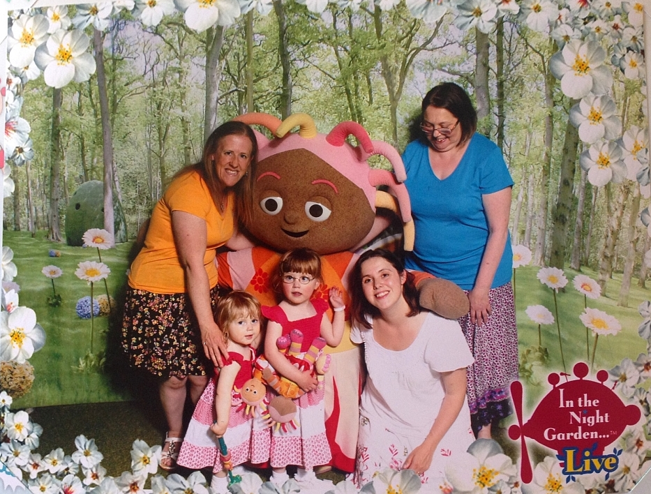 Meeting Upsy Daisy at In the Night Garden Live - Little Hearts, Big Love