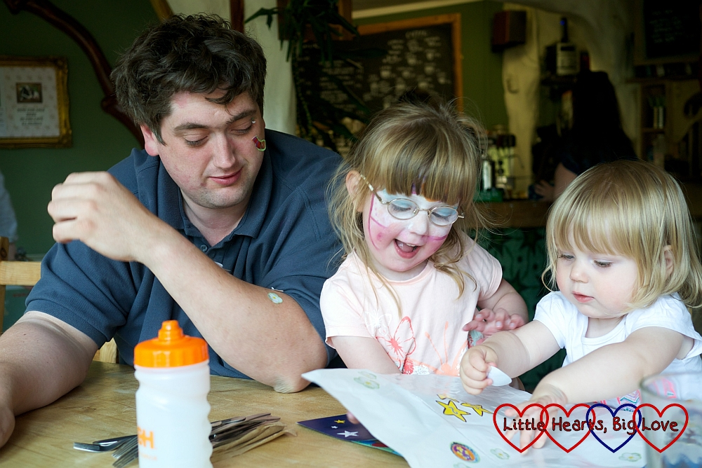 My lovely hubby: one of the things that I'm thankful for this week - Little Hearts, Big Love