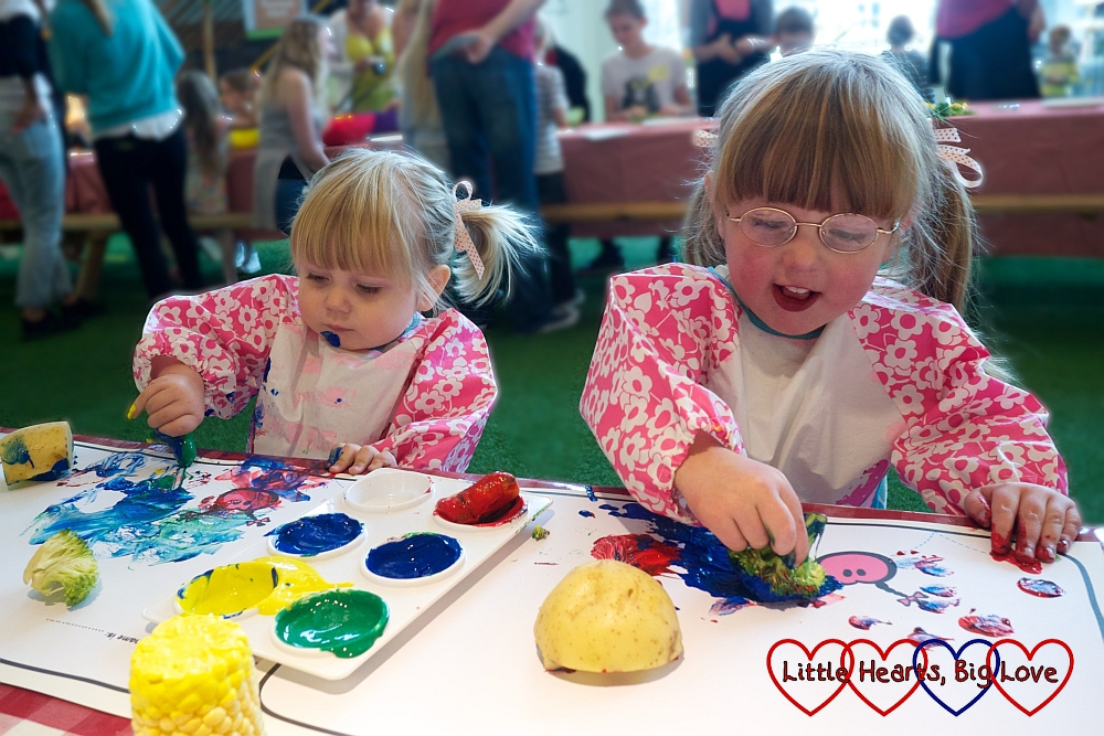 Vegetable paint printing: The Friday Focus 28/08/15 - Little Hearts, Big Love
