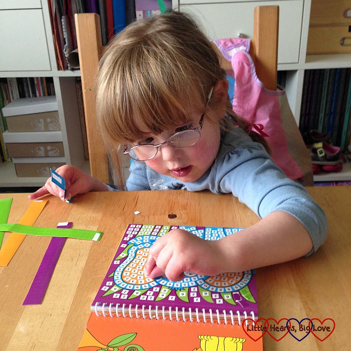 Doing arts and crafts - The Friday Focus 11/09/15 - Little Hearts, Big Love