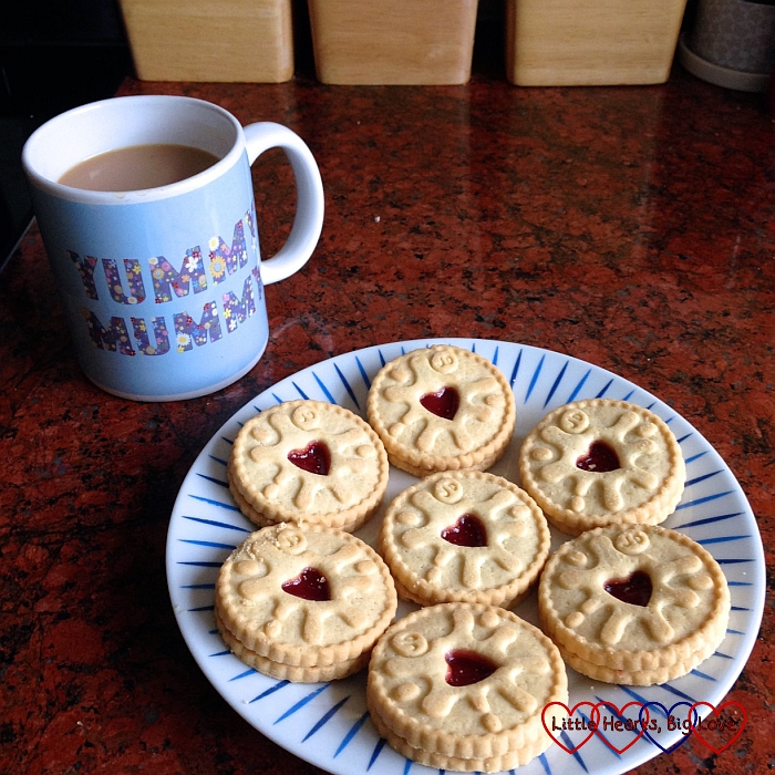 Jammie Dodgers to celebrate Jessica's heart day - The Friday Focus 18/09/15 - Little Hearts, Big Love