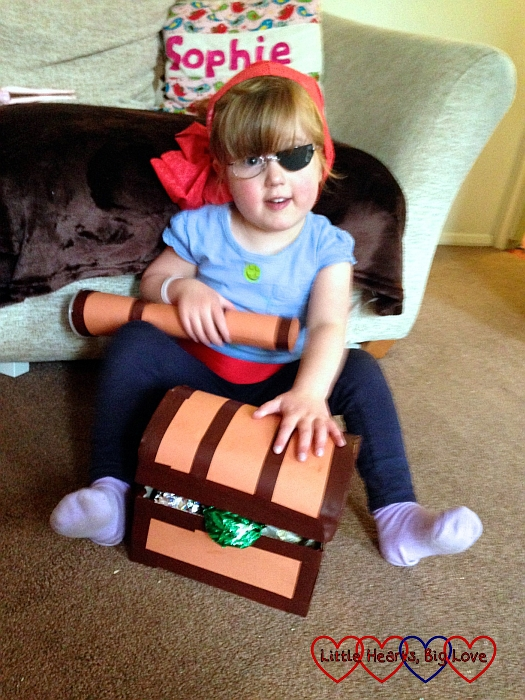 Pirate Jessica with her treasure chest - Pirate crafts - Little Hearts, Big Love