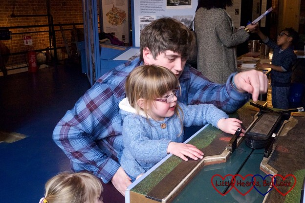Learning how locks work - London Canal Museum Family Science Challenge Day - Little Hearts, Big Love