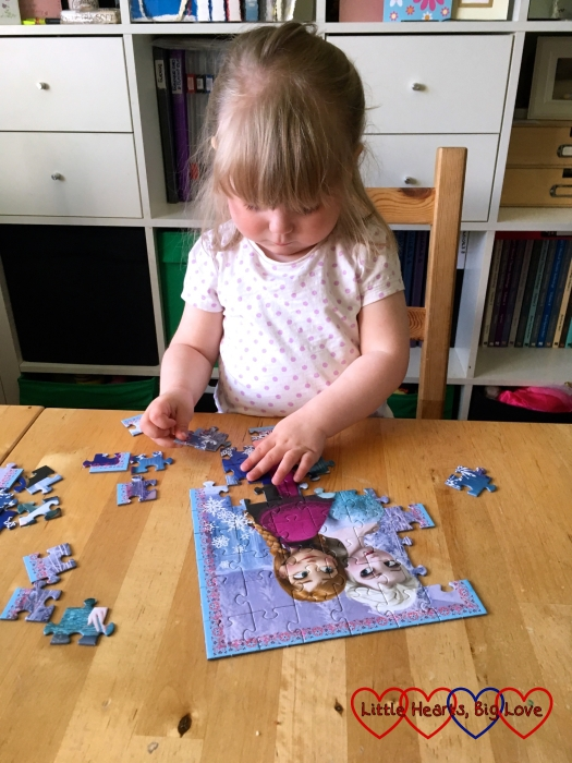 Sophie doing a 54 piece jigsaw by herself - not bad for a 2 1/2 year old!