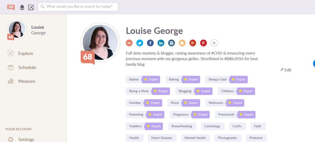 Becoming an expert in topics according to Klout