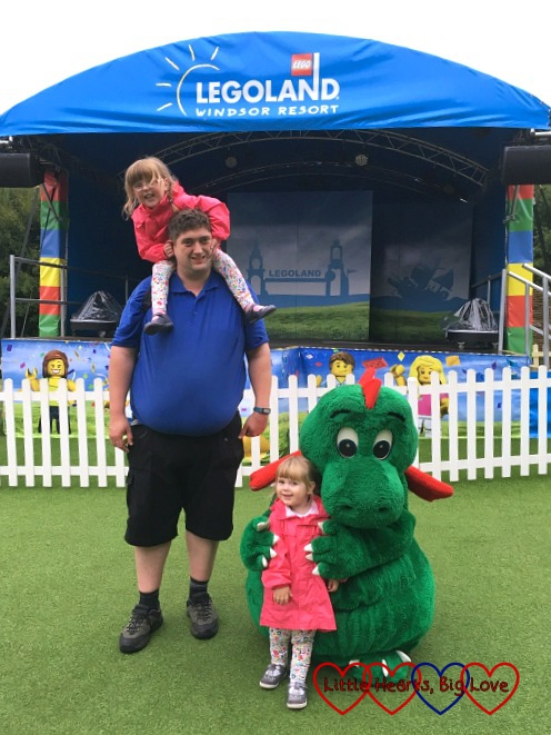 Hubby with Jessica, Sophie and Ollie the dragon at Legoland