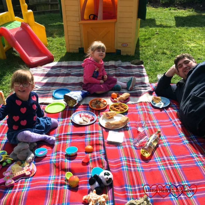Jessica, Sophie and hubby enjoying a picnic lunch in the garden