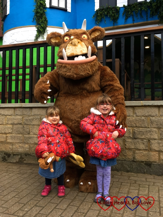 Sophie and Jessica meeting the Gruffalo