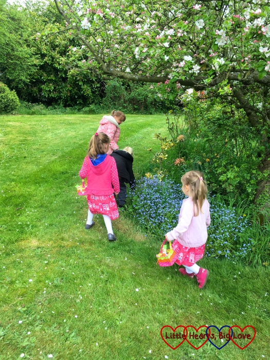 Jessica, Sophie and their cousins having an Easter egg hunt