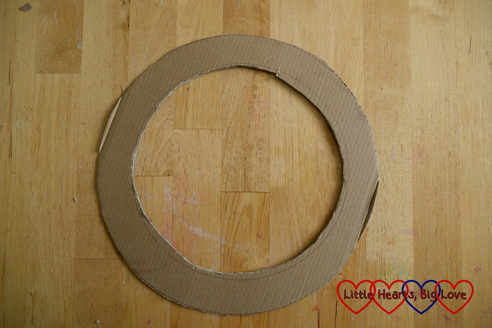 The cardboard ring cut out