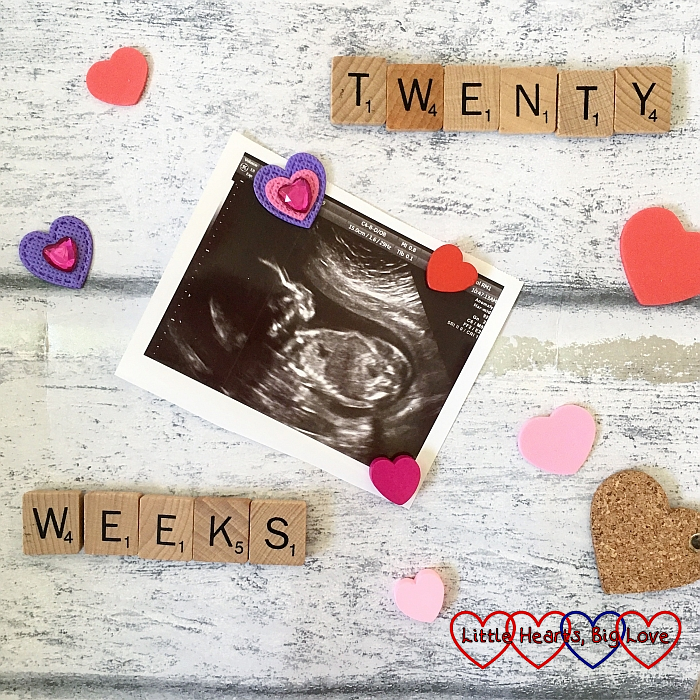 "The photo from Peanut's 20 week scan with Scrabble letters spelling out ""TWENTY WEEKS"""