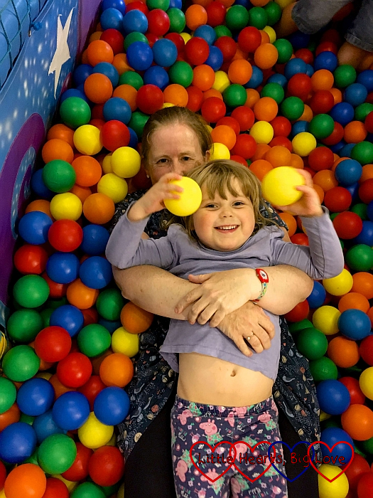Sophie and Godmummy Katy in the ball pit