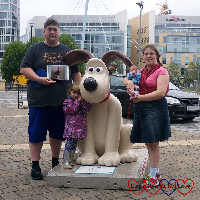 Me, hubby, Sophie and Thomas with a photo of Jessica at one of the Gromit sculptures