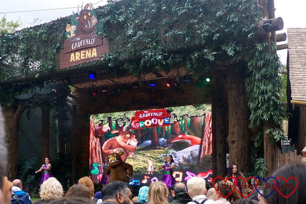 The Gruffalo and dancers in the Gruffalo Groove show