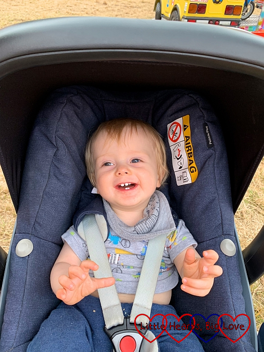 A smiley Thomas in the buggy