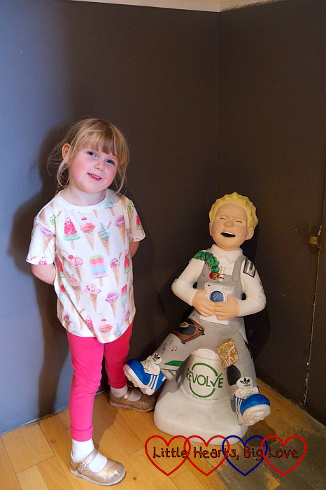 Sophie with the 'Second hand isn't second-best Wullie' Wee Oor Wullie sculpture at the People's Palace