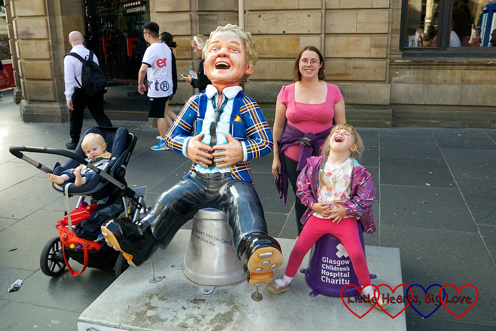 Me, Sophie (copying the pose) and Thomas with the 'Oor Rod' Oor Wullie sculpture