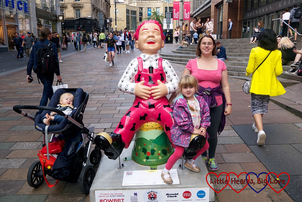 Me, Sophie and Thomas with the 'Oor Scotty' Oor Wullie sculpture