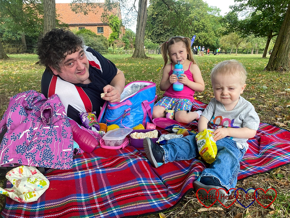 Dsaddy, Sophie and Thomas enjoying a picnic at Osterley Park